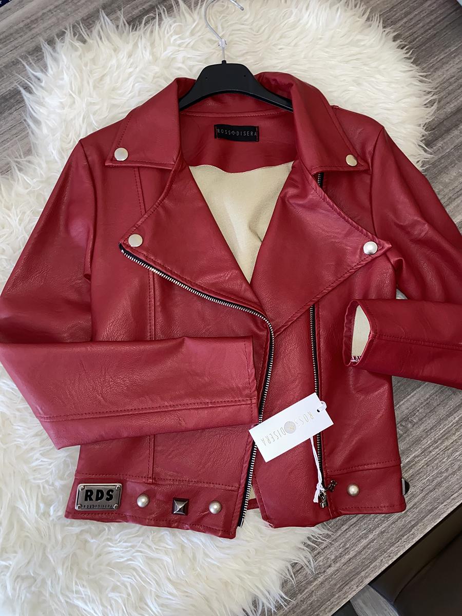 Giacca con borchie rossa